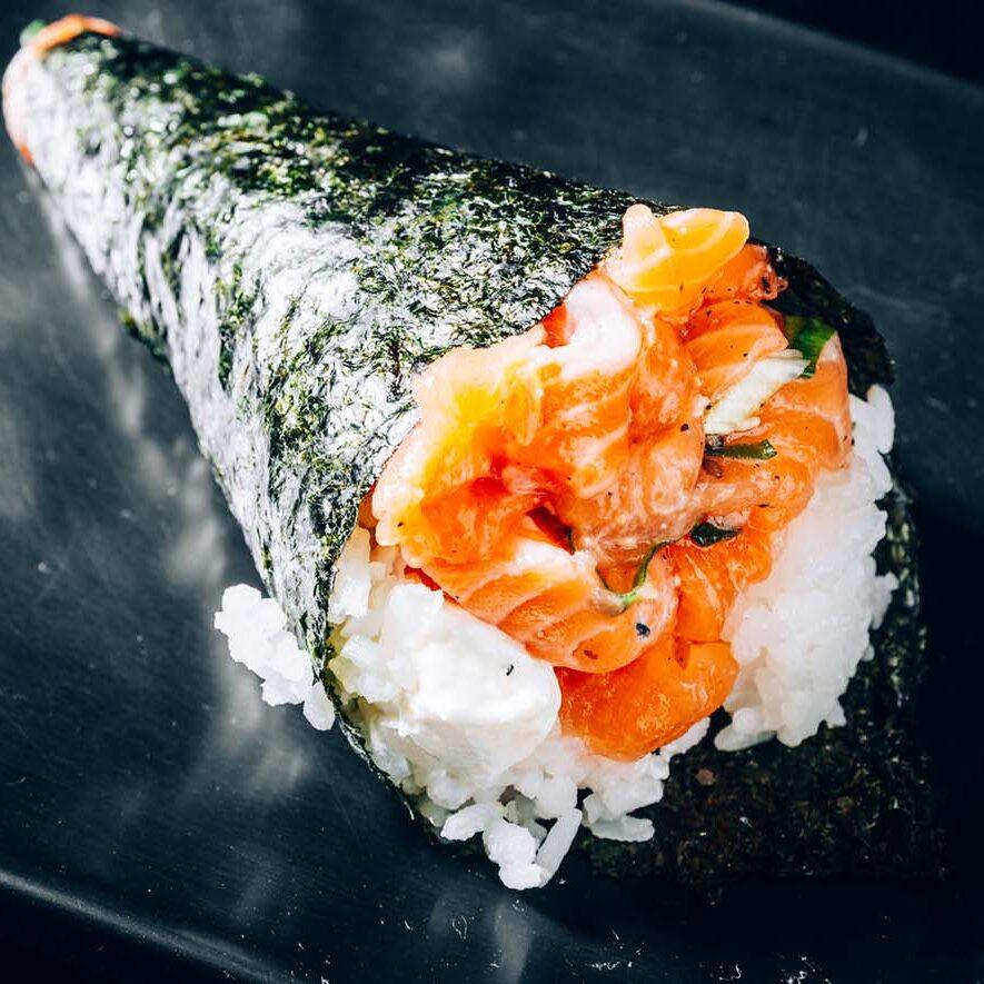 sushi-paradise-hand-roll